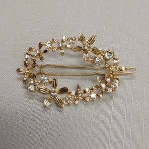 Wire Snap Barrette with Crystal/Flowers Oval Ring